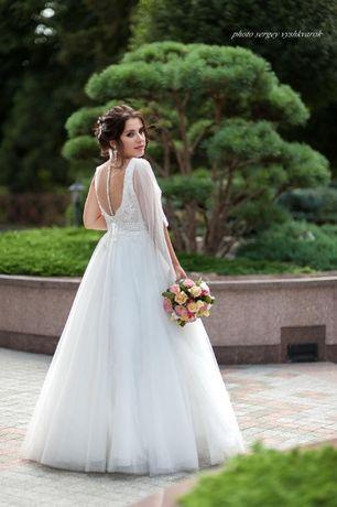 Продам шикарное свадебное платье коллекции 2020