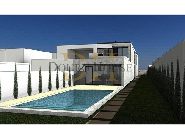 Moradia de Luxo - 3 suites| Piscina| - Projeto Aprovado -...