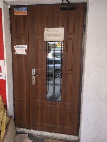бронированные двери входные и межкомнатные с лудками двухстворчатые