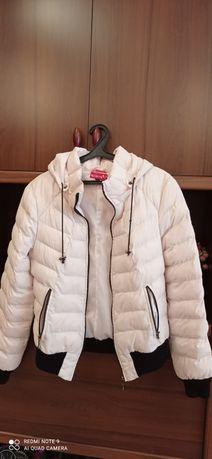 Продам женскую курточку демисезонную на синтапоне размер 46-48