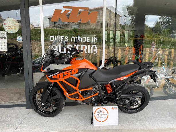 Moto KTM 1050 Adventure