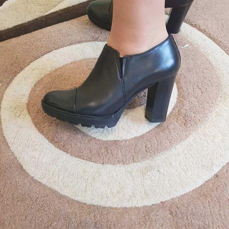 Шкіряні фірмові італійські туфлі взуття