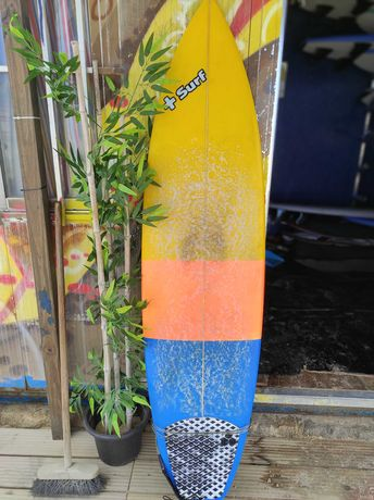 Prancha Surf 6'4 33 l com quilhas