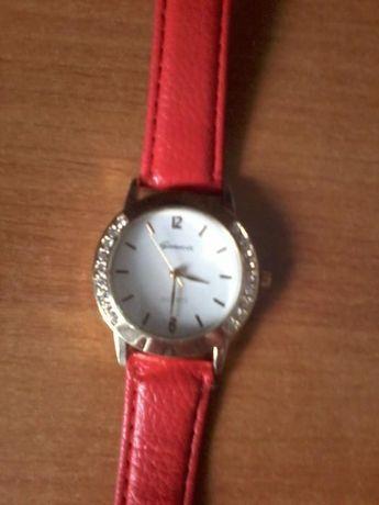 Женские электронные наручные часы Geneva Diamond