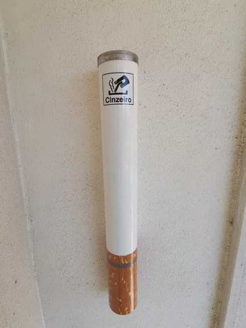 Cinzeiro de Exterior de parede em forma de cigarro