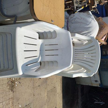 Plastikowe siedzenia ogrodowe