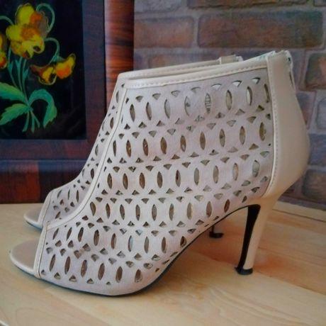 Sandálias botins