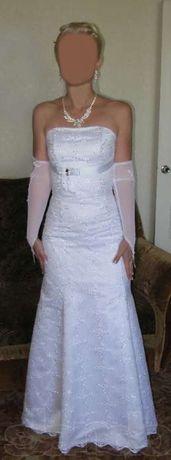 Белое свадебное платье, фасон-Рыбка, размер 42-44