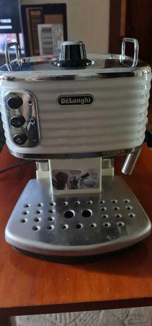 Кофеварка эспрессо DELONGHI SCULTURA ECZ 351.W