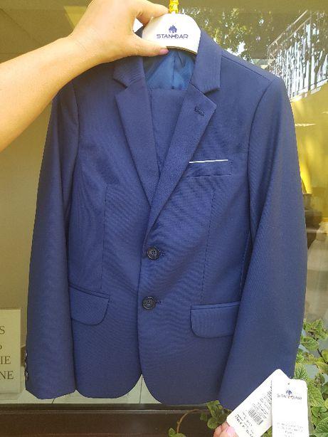 Nowy garniturek chłopięcy sprzedam