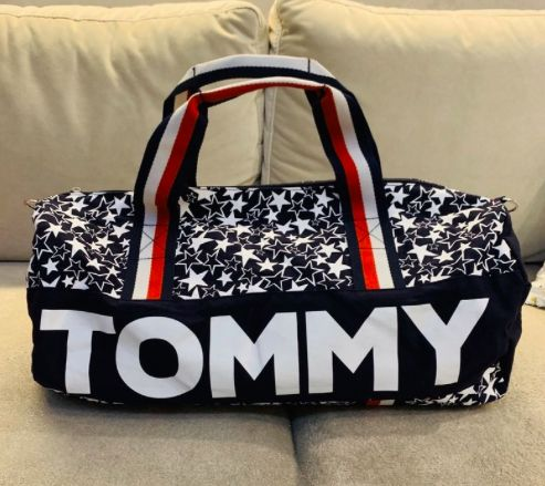 Tommy Hilfiger torba sportowa prezent idealny