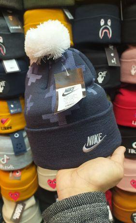 Шапка с бцбоном кепка бейсболка Найк Nike