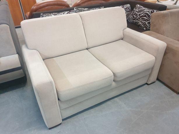 Sofa rozkładana z pojemnikiem na pościel