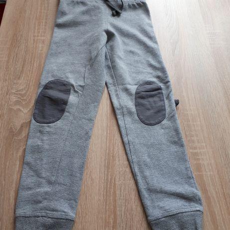 Spodnie dla chłopca, rozm. 122