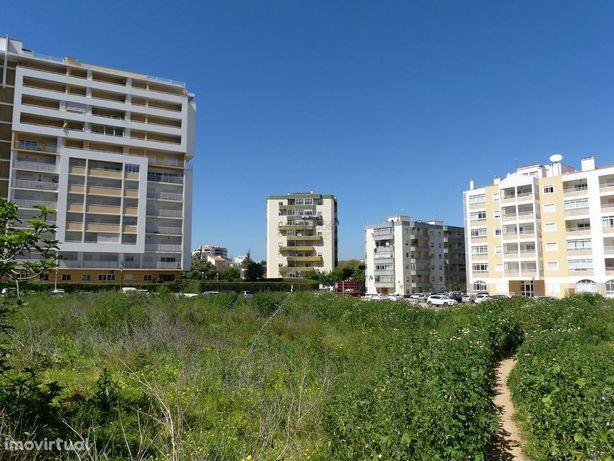 Lote de terreno - Edifício Habitacional - Alto do Quintão