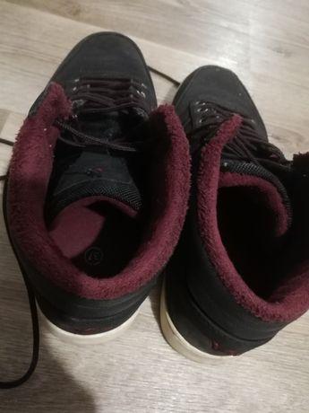 Продаю осенние кросовки!!!
