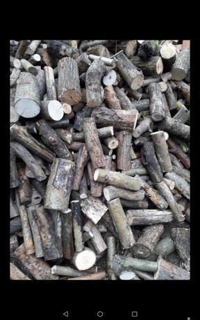 Drewno drzewo kominkowe opałowe liściaste suche gotowe do palenia