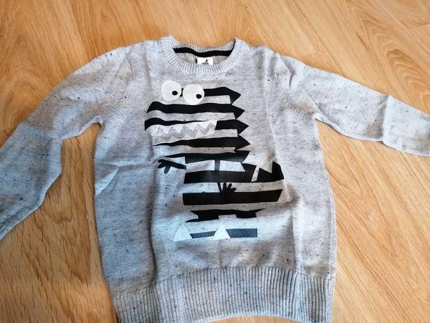 Szary elegancki sweterek 104