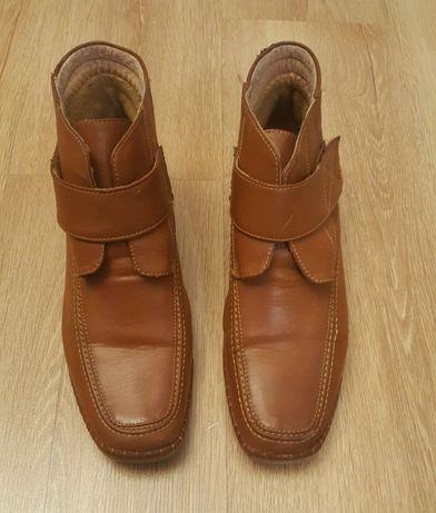BOTKI na koturnie, brązowe, kozaki krótkie na rzepy, r. 41, buty