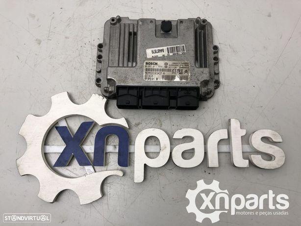 Centralina do motor Usado PEUGEOT 307 1.6 HDi 110   02.04 - REF. 0 281 011 634...