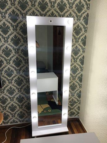 Гримёрное зеркало, зеркало с подсветкой, для макияжа...