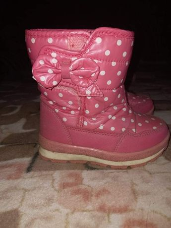 Продам зимові  чобітки