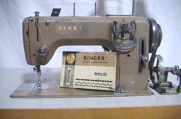 Máquina de Costura Antiga Singer 807/Antique Sewing Machine Singer 807