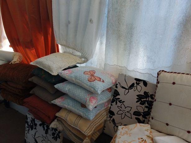 cortinados toalhas mantas tapetes almofadas capas edredão