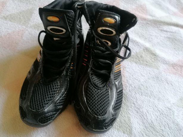 Кросовки Adidas. 42 размер.