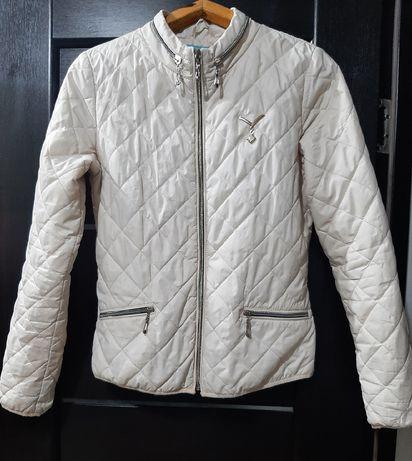 Красивая куртка.