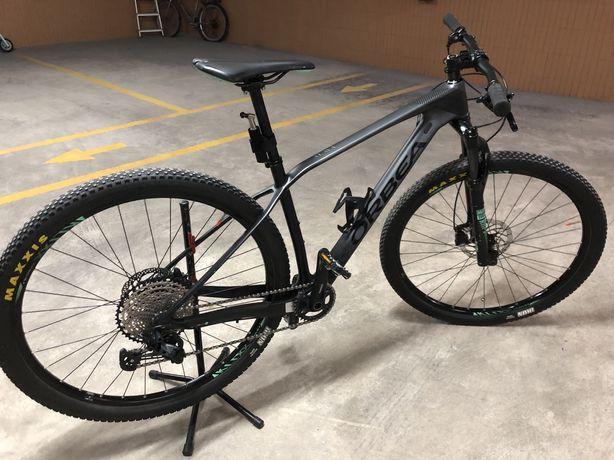 Bicicleta BTT Orbea Alma em Carbono