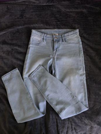 niebieskie spodnie dziecięce