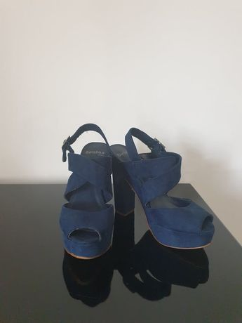 Sandália Azul Bershka