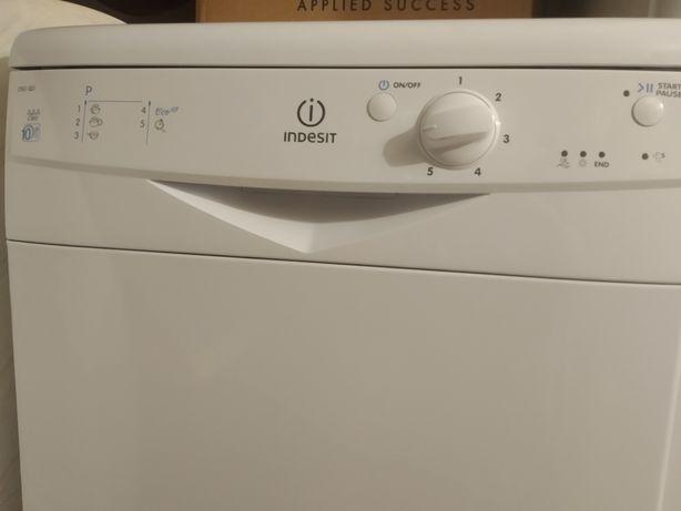 Máquina lavar louça Indesit