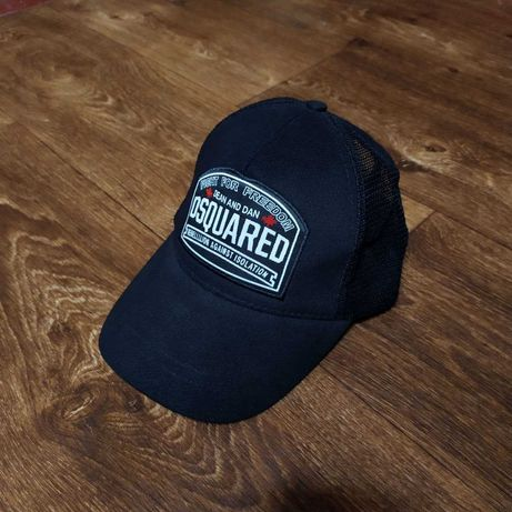 Легкая кепка Dsquared2 в сеточку Dsquared бейсболка