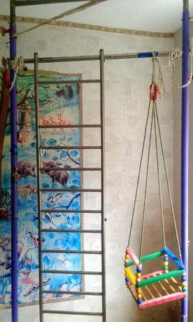 Спортивный уголок,спортивная шведская стенка в комнату.Детям и взрослы