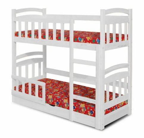 Łóżko piętrowe MACIEJ z praktycznym rozwiązaniem skrzyni na pościel.