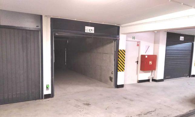 Garaż do wynajęcia Kolbe 3A