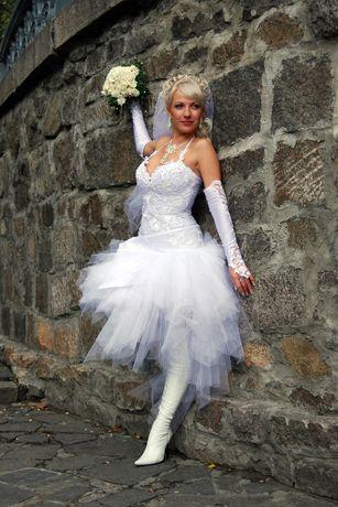 Свадебное платье для смелой и уверенной .Размер 44-48 + подарок болеро