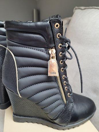 NOWE czarne buty na koturnie
