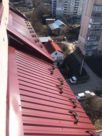 Каркасний балконний дашок, монтаж банера, монтаж снігозатримувачів