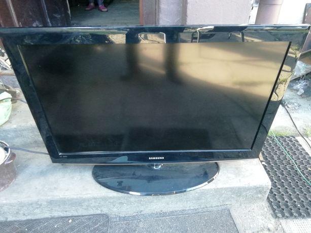 Stary telewizor na czesci