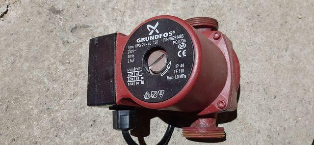 Циркуляционный насос GRUNDFOS UPS25-40 130