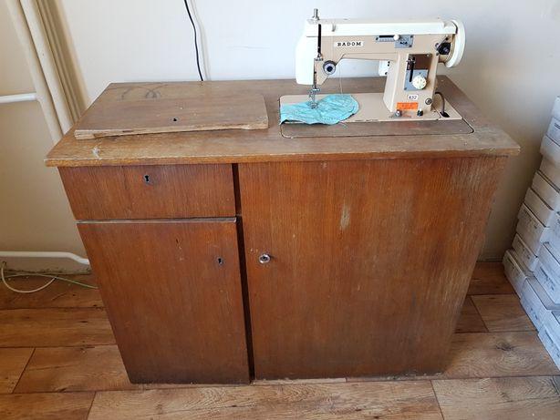 Maszyna do szycia Radom w szafie