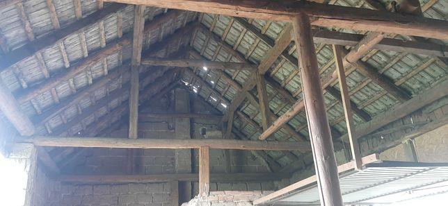 Stara więźba dachowa ze stodoły