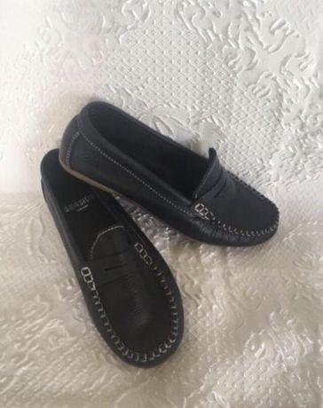 4 pares de sapatos de senhora