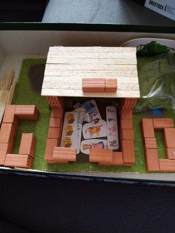zabawka - zagroda do budowania z cegieł