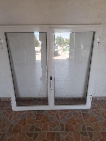 Tres janelas     .
