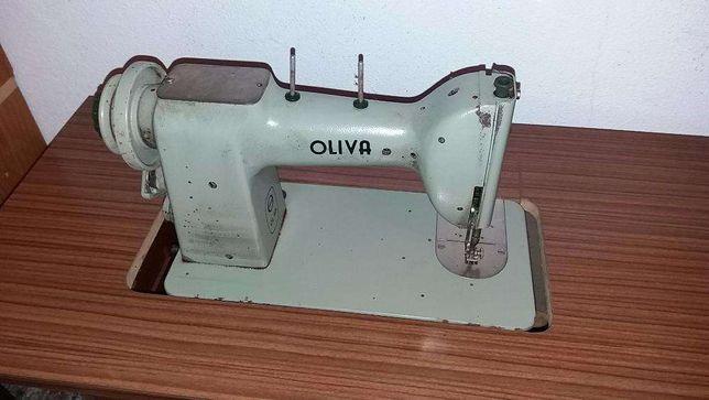 Máquina costura antiga Oliva