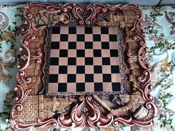 Шахматы + шкатулка с фигурами